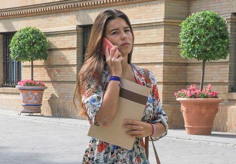 La hija de Eugenia Martínez de Irujo y FranciscoRivera tuvoque volver precipitadamente de Ghanadespués de que tres hombres armados les intimidaran con arrestarles.