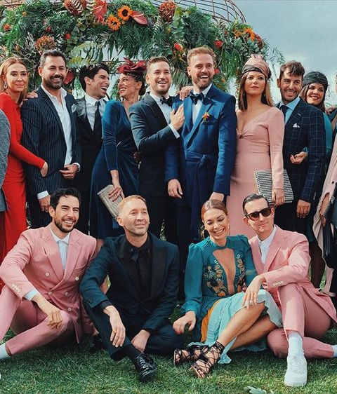 Social group, People, Event, Formal wear, Team, Fun, Suit, Family, Ceremony, Family taking photos together,