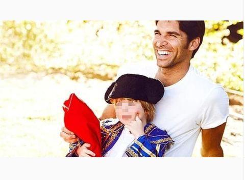 Love, Happy, Smile, Photography, Headgear, Child, Cap, Family,