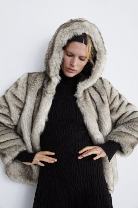 Fur clothing, Fur, Clothing, Outerwear, Woolen, Skin, Wool, Hood, Textile, Coat,