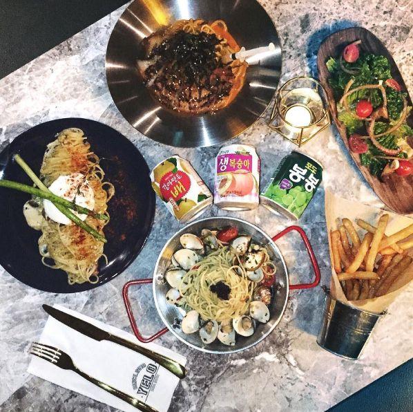 新北耶誕城5家周邊餐廳推薦!板橋必吃美食「紅蟳沙鍋粥」、異國創意料理讓人垂涎三尺