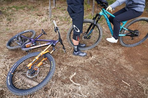 Land vehicle, Bicycle, Vehicle, Bicycle wheel, Cycle sport, Bicycle frame, Cycling, Bicycle pedal, Bicycle drivetrain part, Mountain bike,