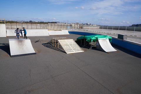 Sport venue, Skatepark, Architecture, Recreation, Concrete, Skateboarding, Asphalt,