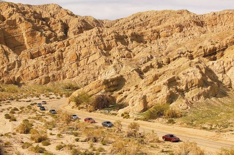 Mountainous landforms, Valley, Mountain, Bedrock, Geology, Terrain, Formation, Badlands, Outcrop, Aeolian landform,