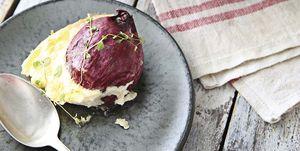 Receta: Cebollas rojas con queso brie