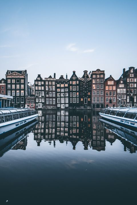 Reflection, Waterway, Body of water, Canal, Water, Architecture, Sky, River, Channel, Daytime,