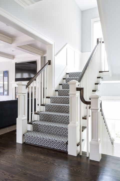 Stairs, White, Handrail, Property, Floor, Interior design, Room, Home, Wood flooring, Building,