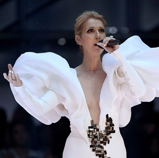 White, Performance, Shoulder, Lip, Beauty, Fashion, Hairstyle, Joint, Singer, Human body,
