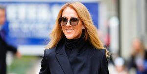 Céline Dion draagt een lange jas van Brandon Maxwell in New York.