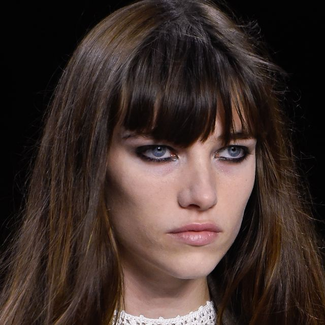 Hair, Face, Hairstyle, Bangs, Eyebrow, Lip, Beauty, Brown hair, Layered hair, Chin,