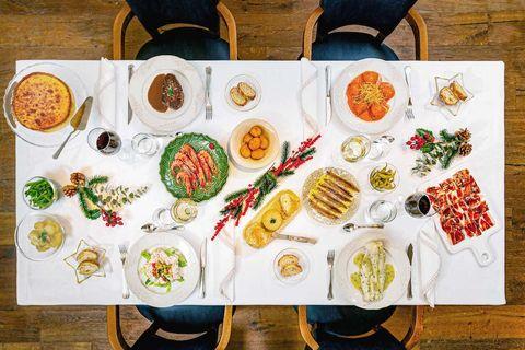imagen de la cena de nochebuena a domicilio del restaurante la ancha