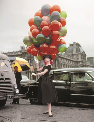Land vehicle, Balloon, Party supply, Dress, Classic car, Grille, Classic, Street fashion, Photography, Snapshot,