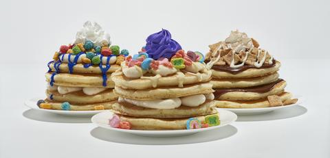 Food, Dish, Cuisine, Dessert, Baked goods, Meringue, Sweetness, Pancake, Ingredient, Buttercream,