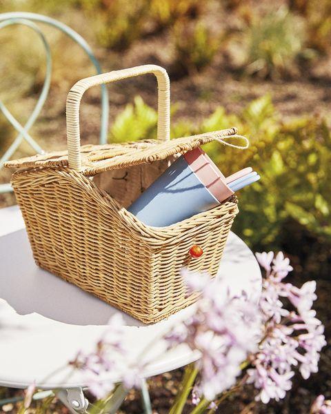 cesta de ratán para picnic