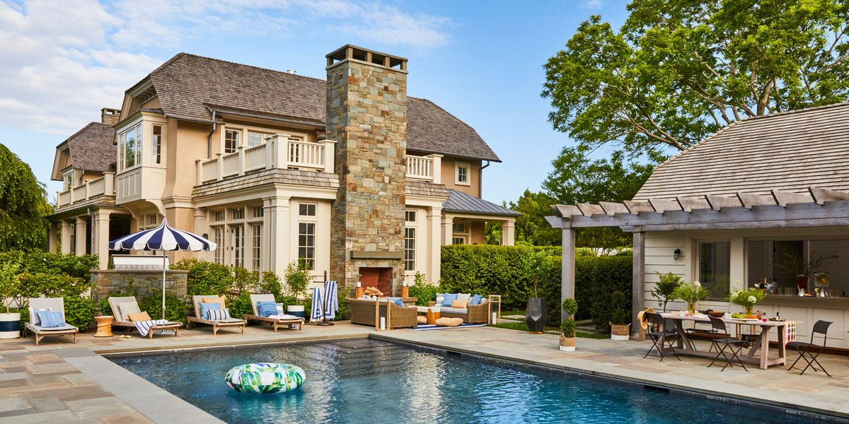 Now This Is How You Throw A Grown Up Pool Party