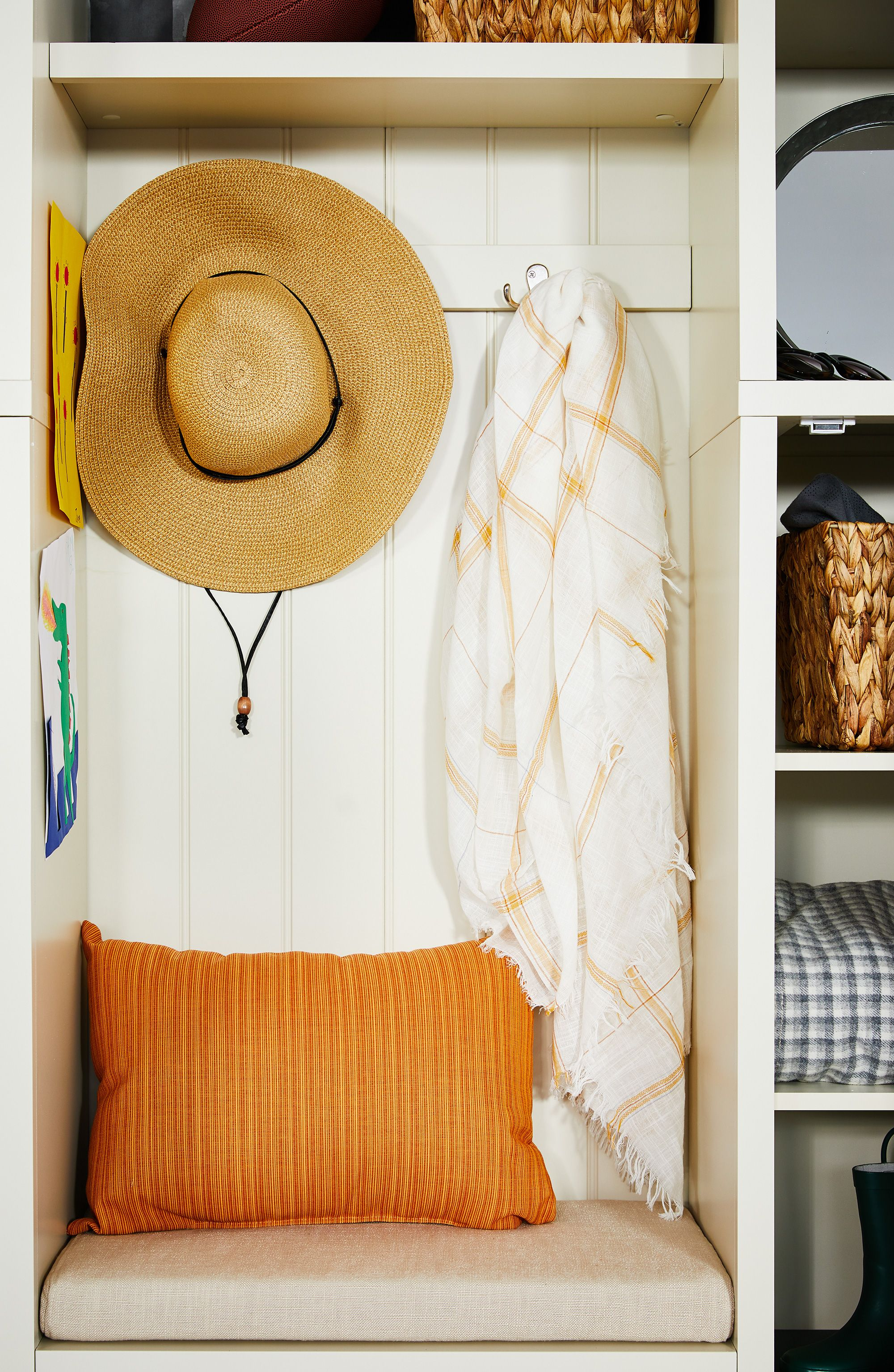 How to Create the Multipurpose Entryway of Your Dreams
