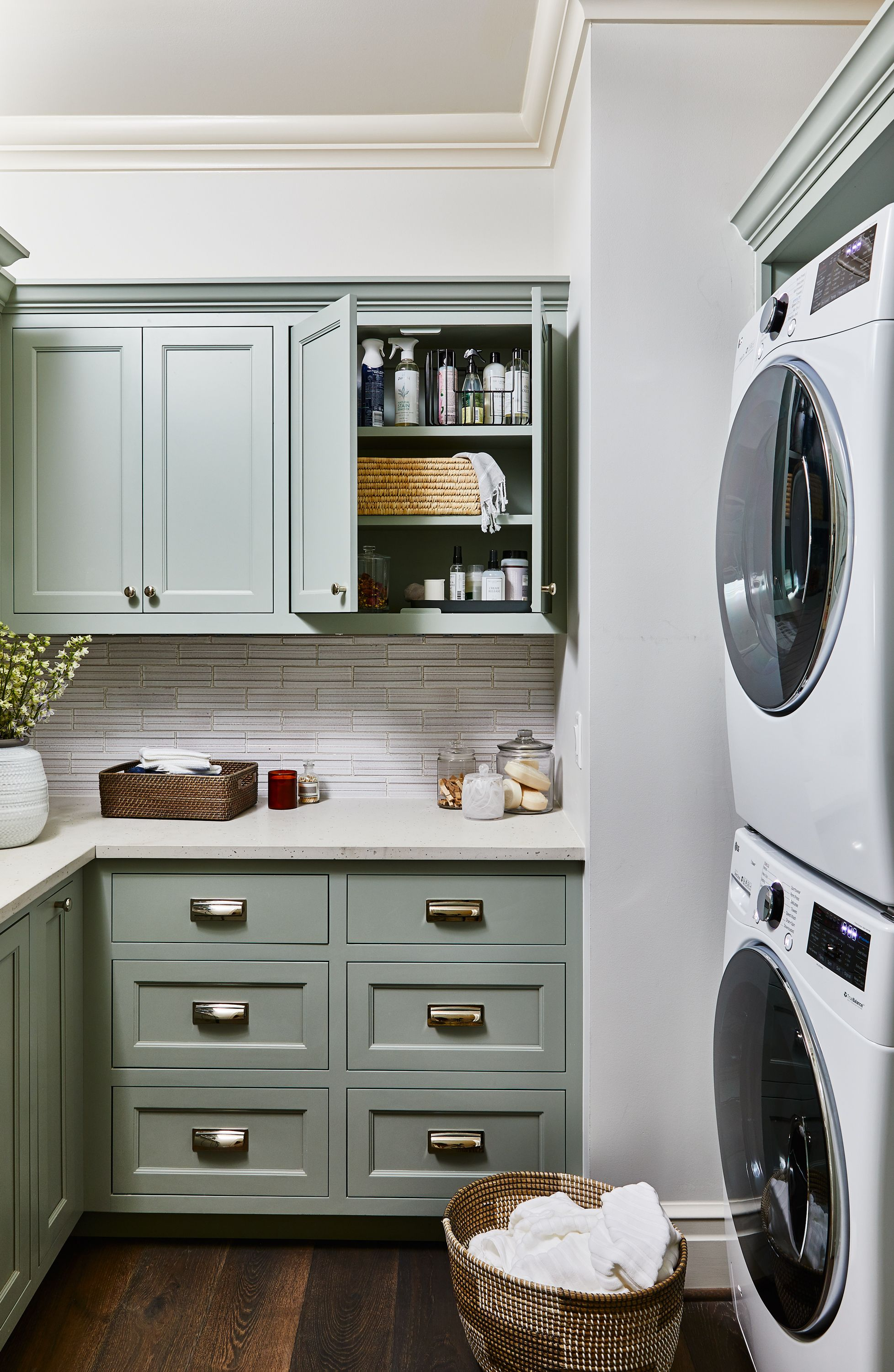 5 Simple Ways To Make The Most Of A Small Laundry Room