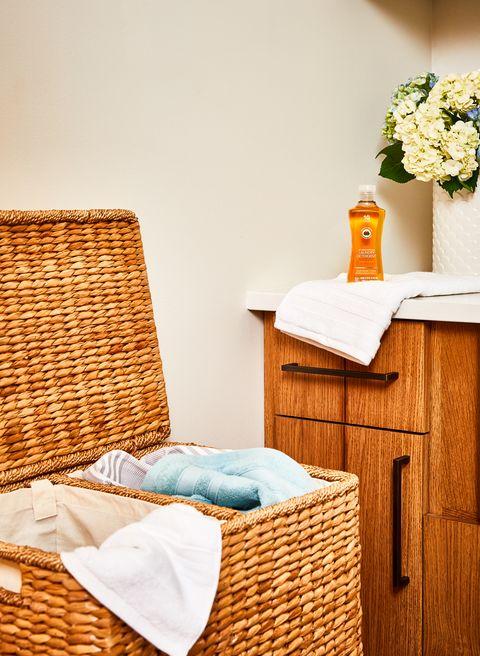 Wicker, Basket, Room, Furniture, Table, Picnic basket, Yellow, Home accessories, Hamper, Interior design,