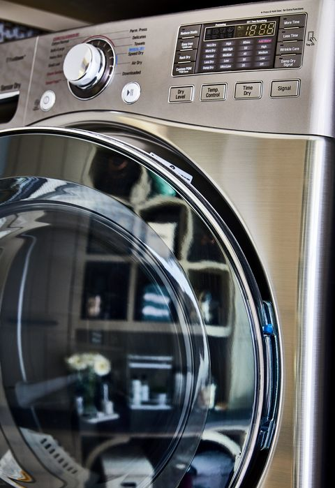 Washing machine, Major appliance, Electronics, Home appliance, Clothes dryer, Laundry, Machine, Technology, Wheel, Photography,