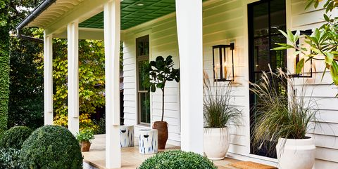 Property, Home, House, Building, Porch, Real estate, Yard, Door, Backyard, Grass,