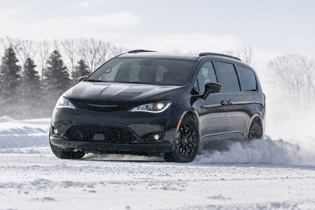 the 2020 chrysler pacifica awd launch edition, which is equipped with the same awd system that will be offered on the redesigned 2021 chrysler pacifica, is now open for dealer orders the 2020 chrysler pacifica awd launch edition will arrive in dealerships in the third quarter of 2020 and represents the first chrysler awd minivan since 2004