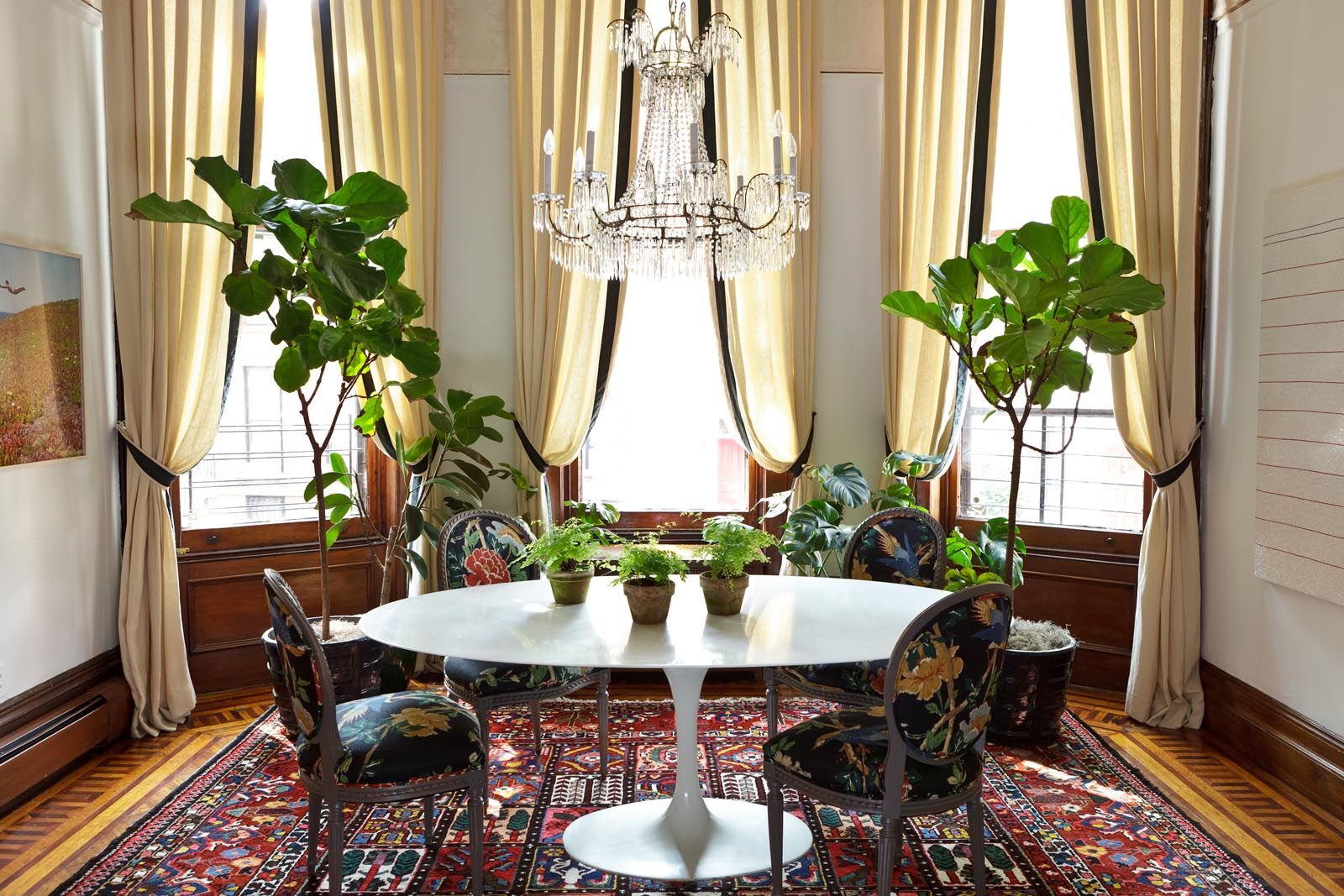 25 Rooms Brought To Life With Decorative Plants Greenery