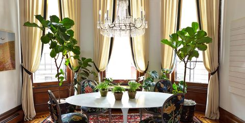Room, Interior design, Property, Green, Curtain, Living room, Furniture, Window treatment, Table, Dining room,