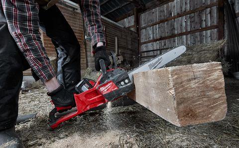 Chainsaw, Tool, Circular saw, Saw, Saw chain, Wood, Power tool, Cutting tool, Machine,