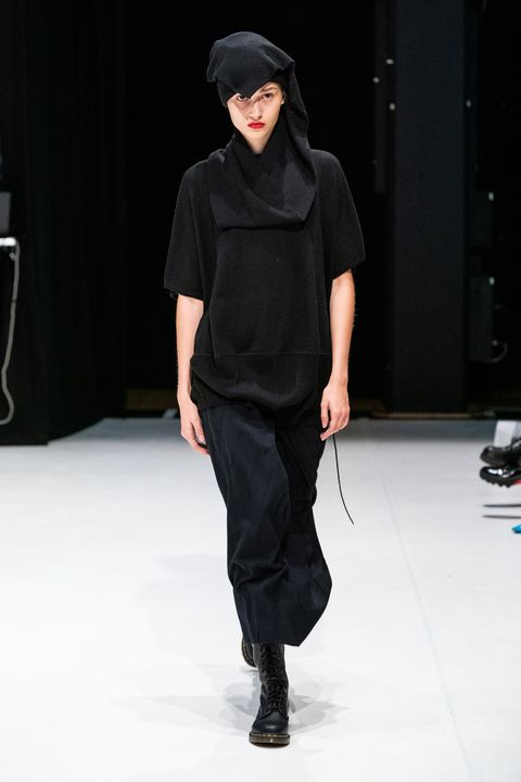 Chalayan Herfst/Winter 2020 show op London Fashion Week.