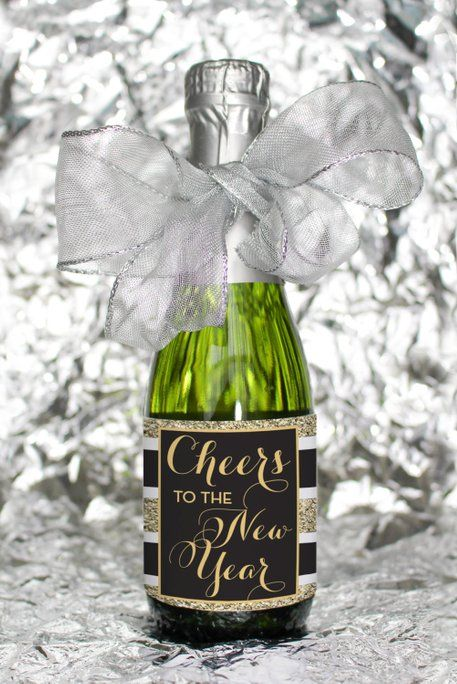 DIY Decorations for New Year's Eve Custom Champagne Label