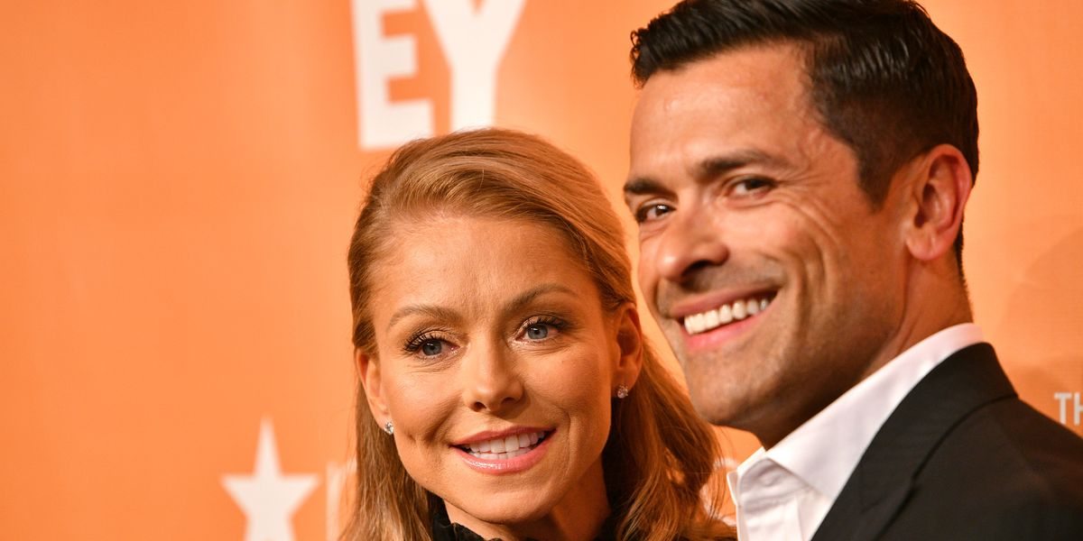 Kelly Ripa Just Posted the Steamiest Shirtless Pic of Husband Mark Consuelos