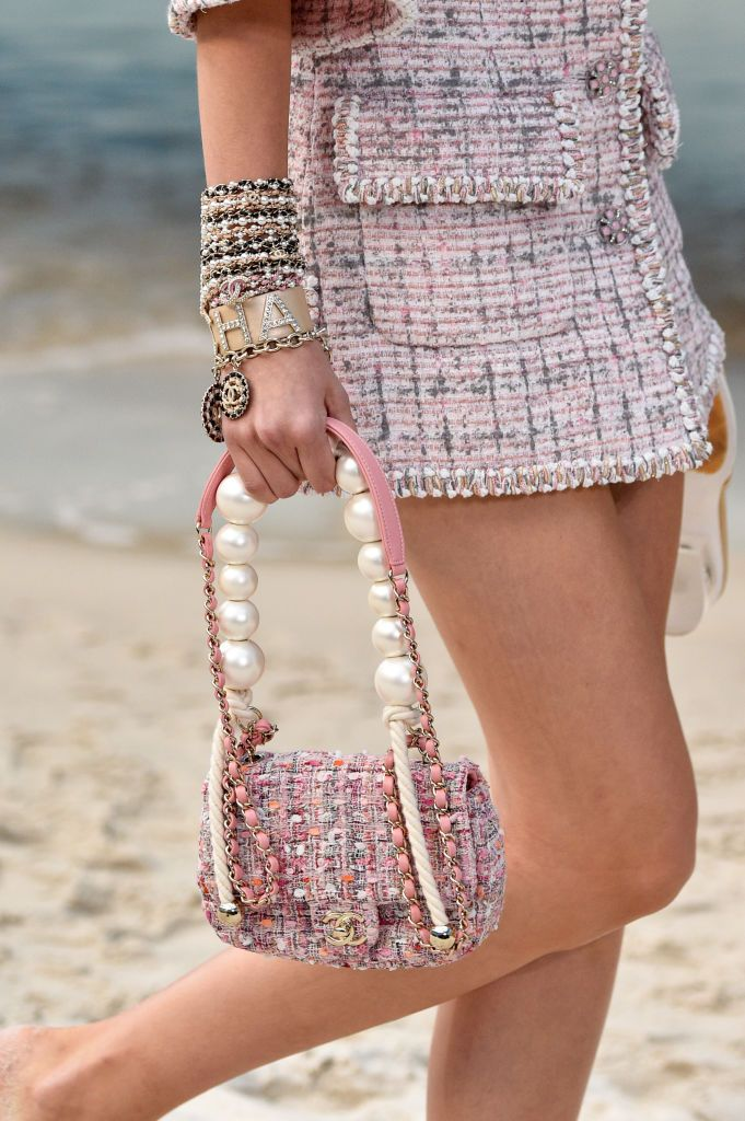 b1e8eb808fc7 Best Accessories from Spring Summer 2019 Runways - The Chicest Accessories  From The Spring Summer 2019 Catwalks