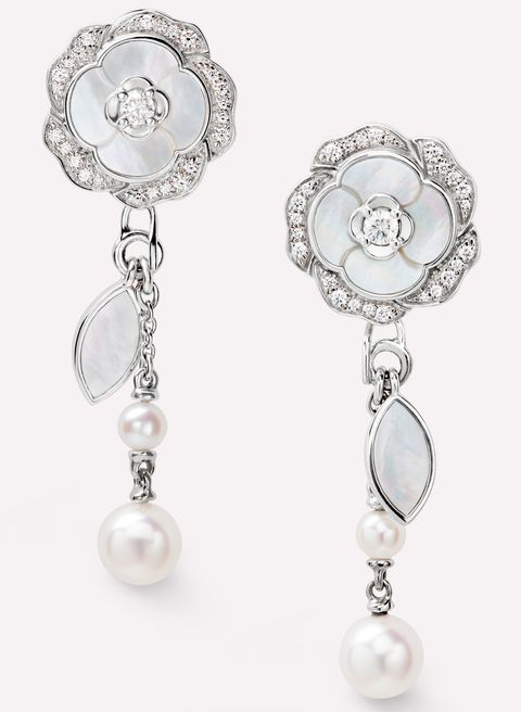 best classic iconic pieces of jewellery to wear forever  chanel pearls