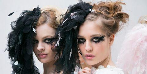 Hair, Hairstyle, Beauty, Eyebrow, Fashion, Headpiece, Eye, Black hair, Long hair, Eyelash,