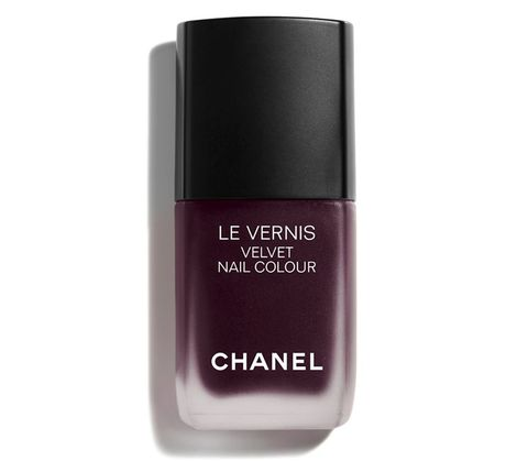 Water, Violet, Cosmetics, Nail polish, Product, Beauty, Liquid, Purple, Fluid, Nail care,
