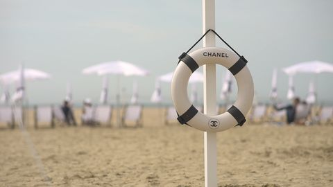 Lifebuoy, Personal protective equipment, Wind, Sand, Sea, Vacation, Lifejacket, Beach,