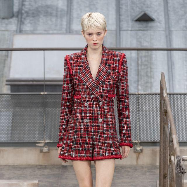 Plaid, Fashion, Clothing, Fashion model, Tartan, Pattern, Street fashion, Runway, Fashion show, Design,