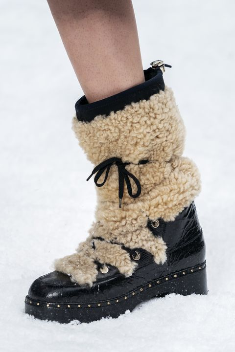 Footwear, Shoe, Boot, Snow boot, Fur, Fashion, Wool, Beige, Joint, Ankle,