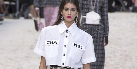 Het Overhemd.Lente Zomer Trends Van De Catwalk 9 Keer Het Overhemd Met Korte Mouwen