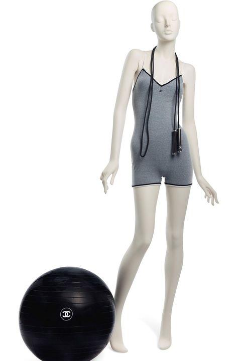Clothing, Shoulder, Joint, Standing, Leg, Mannequin, Sportswear, Dress, Neck, Human leg,