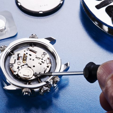 changing watch battery