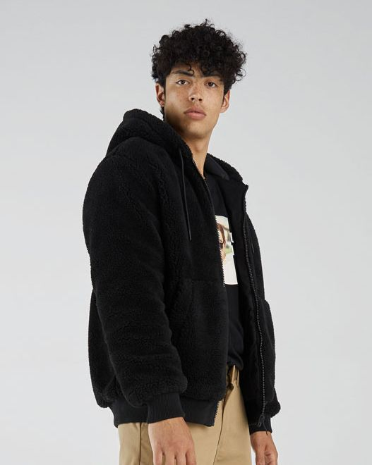 Chaqueta borreguillo Bershka, chaqueta hombre borreguillo, chaqueta hombre rebajas, chaqueta rebajas