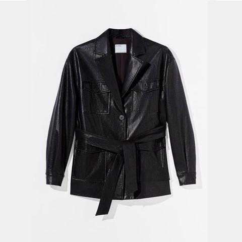aunque todavía haga frío, las tiendas ya están llenas de chaquetas preciosas que te van a salvar el momento entretiempo vas a cambiar tu abrigo por cualquiera de ellas esta primavera