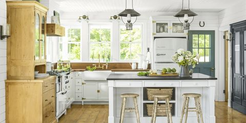 50+ Best Farmhouse Style Ideas - Rustic Home Decor Antique S Kitchen Decorating Ideas on antique kitchen lighting, vintage kitchen ideas, antique kitchen remodeling ideas, antique luxury kitchens, antique kitchen painting, antique wallpaper ideas, antique vintage kitchen, old kitchen ideas, antique kitchen rugs, antique kitchen decor, antique kitchen tools ideas, antique door ideas pinterest, antique kitchen cleaning, antique kitchen design, antique kitchen fireplaces, rooster kitchen theme ideas, antique kitchen cabinets, antique kitchen cupboards, painted kitchen cabinet ideas, retro kitchen ideas,