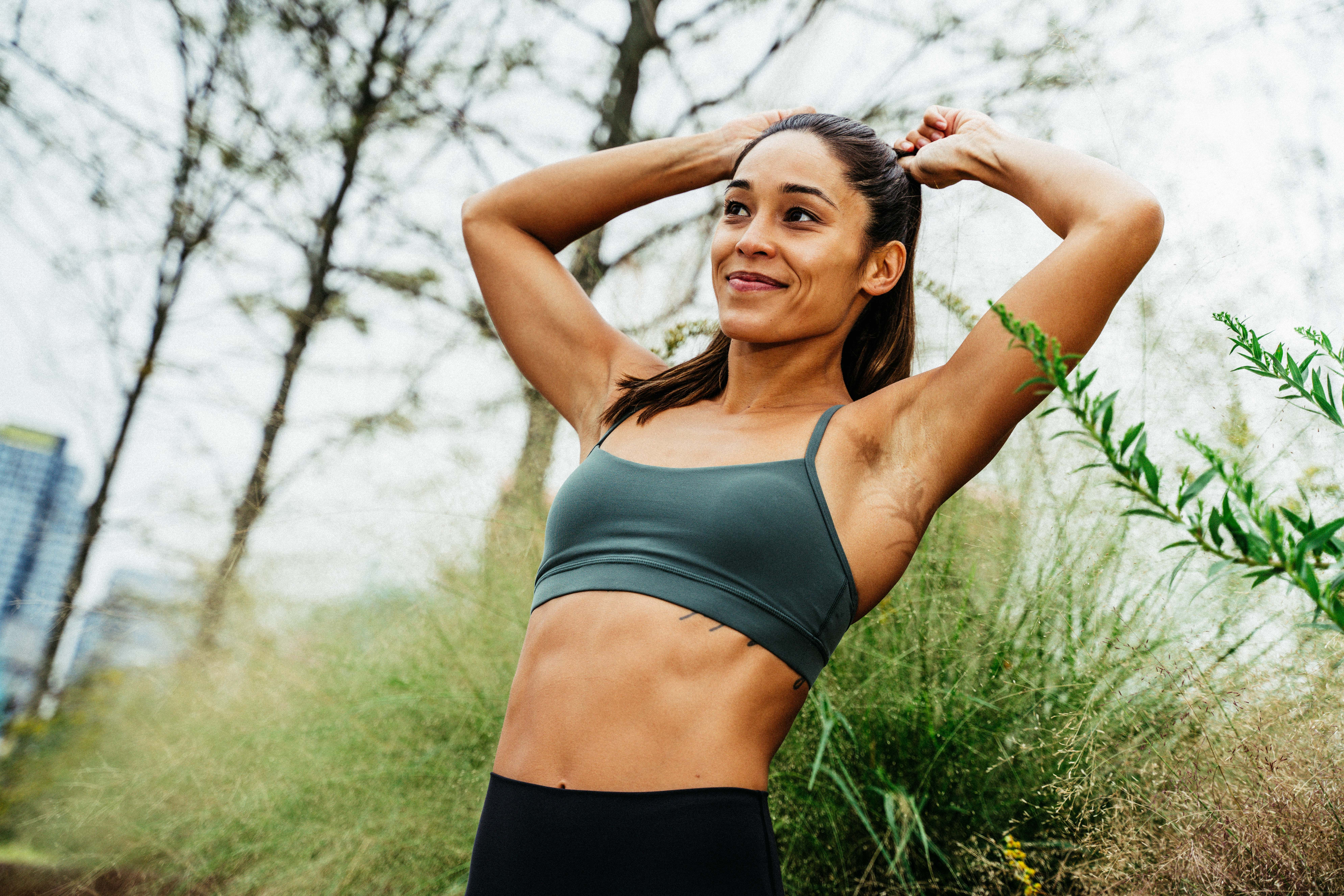 Crush Your Abs Anywhere With This Standing Core Circuit