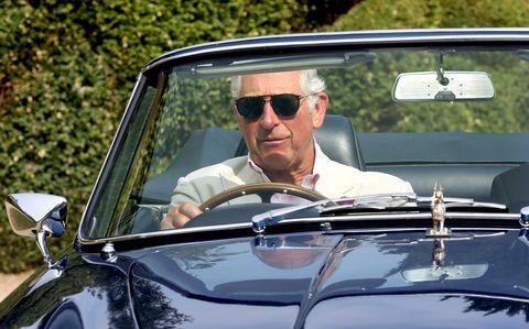 Land vehicle, Vehicle, Motor vehicle, Car, Vintage car, Classic, Antique car, Sunglasses, Classic car, Eyewear,