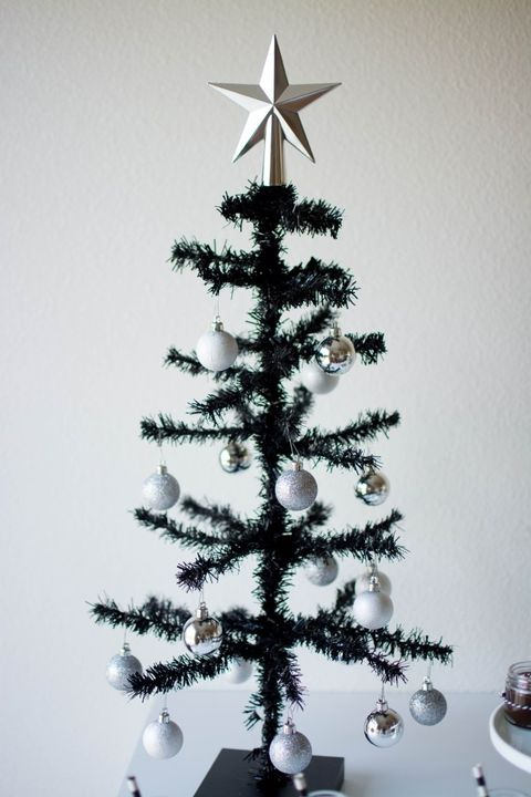 charlie brown black christmas tree - White Christmas Tree With Red And Black Decorations