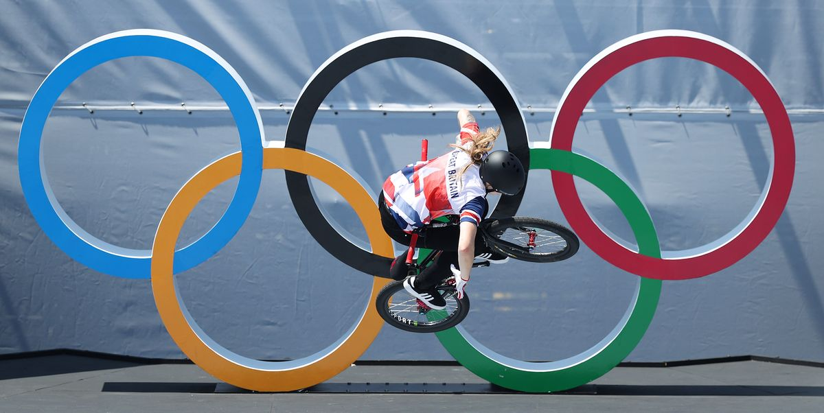 Charlotte Worthington Upsets Hannah Roberts to Win Gold in the Women's BMX Freestyle Final