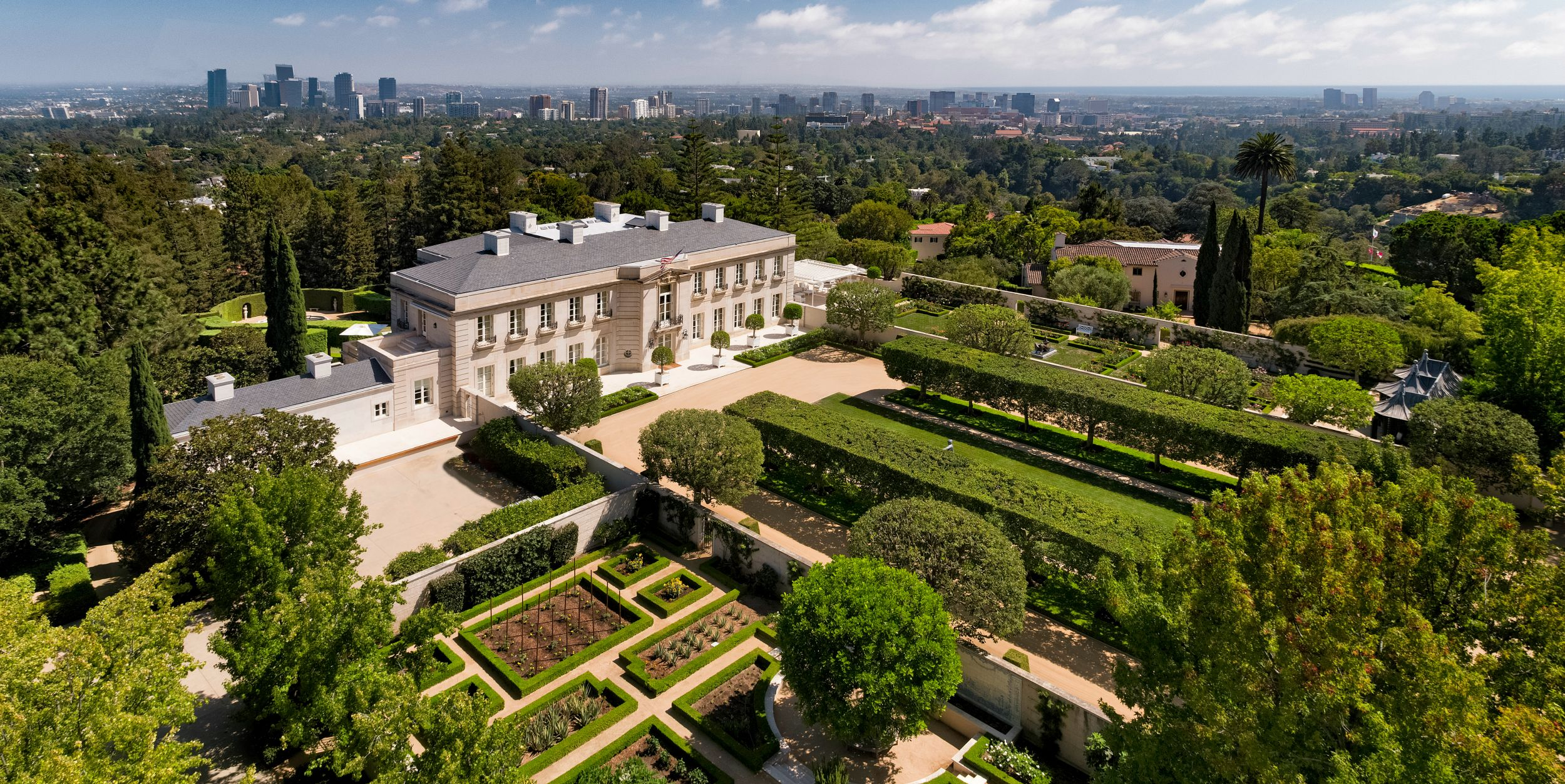 The Chartwell Estate In Bel Air Is The Most Expensive House Currently On The U.S. Open Market