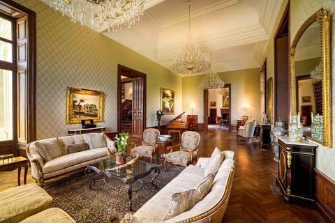 Un palais de la Basse Vallée, France mis aux enchères le 15 juillet 2021 via des enchères de bienvenue